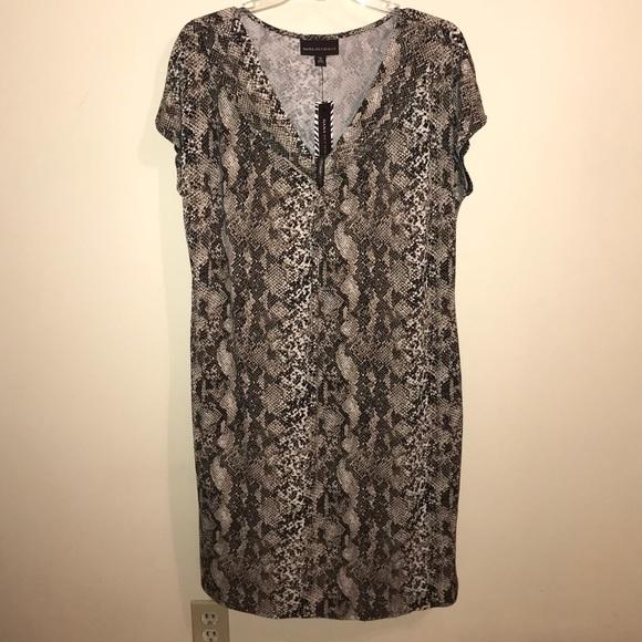 097012e6bd NWT Dana Buchman python print dress